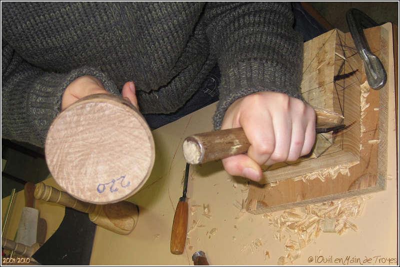 Sculpter bois l 39 artisanat et l 39 industrie - Outils pour sculpter le bois ...